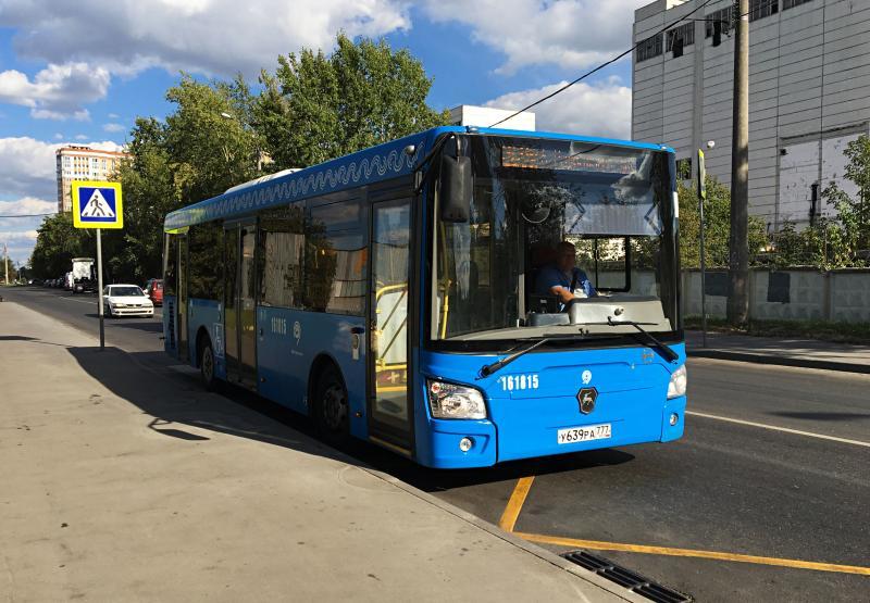 Бесплатные автобусы от станций метро на юге перевезли 18 тысяч посетителей международного фестиваля фейерверков