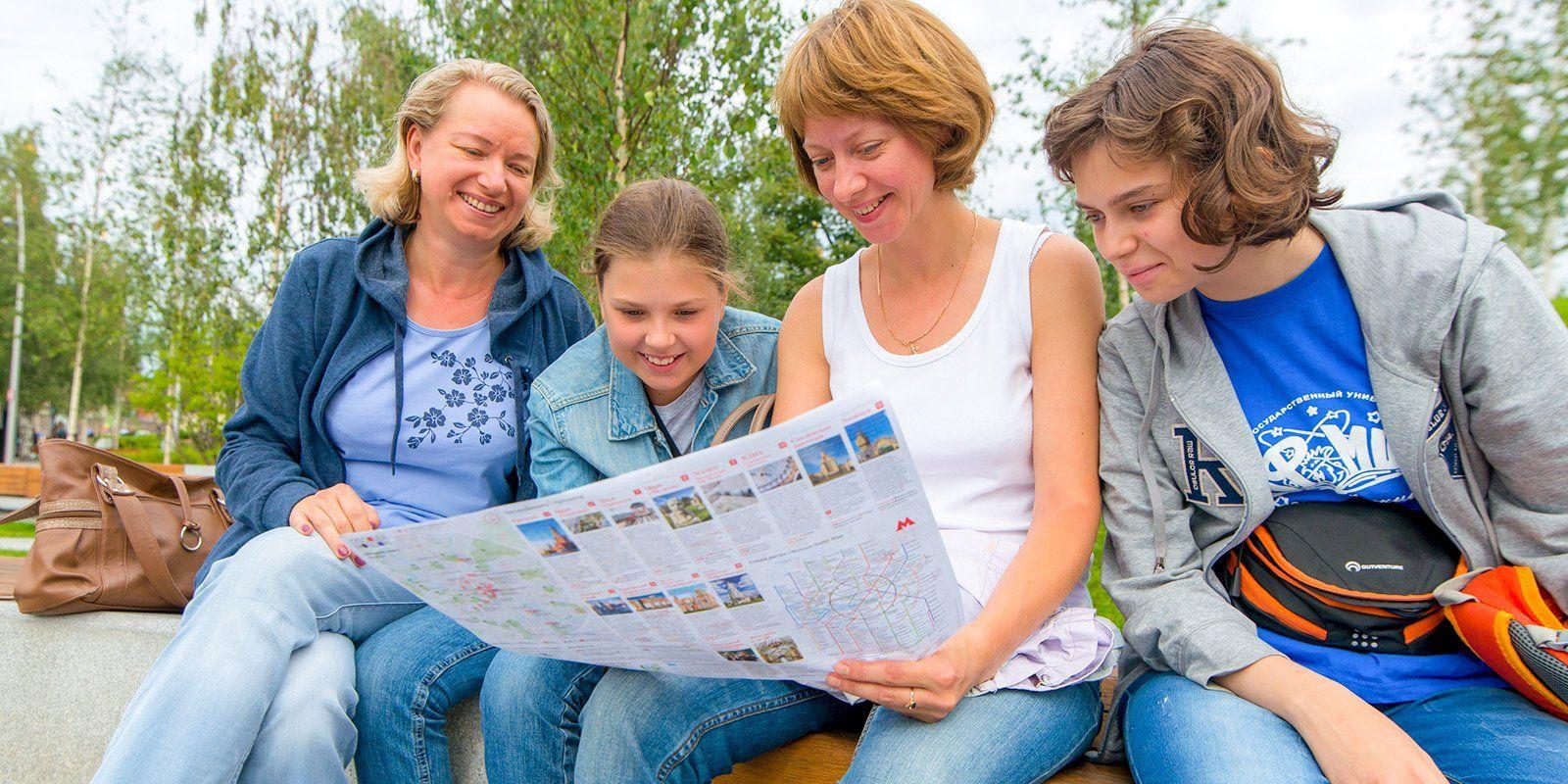Москва выпустила новые туристические карты на трех языках