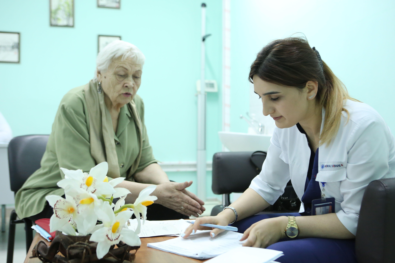Почти 50 медицинских учреждений построят в Москве за три года