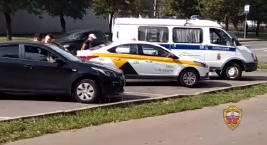 Сотрудники ГИБДД юга столицы задержали подозреваемого в угоне