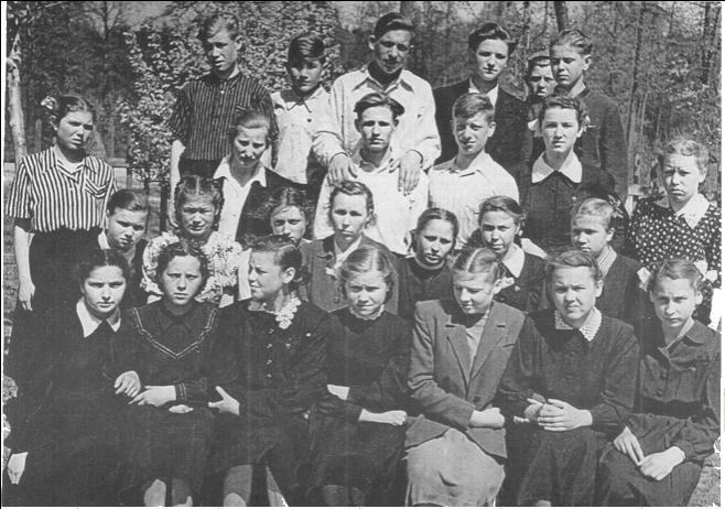 Героиня первой главы «Старожилов» Зинаида Власова передала для проекта много фотографий из личного архива. Фото: сайт музея-заповедника «Царицыно»