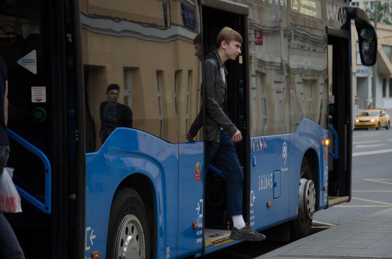 Изменение в работу автобусной остановки внесли в Нагорном районе