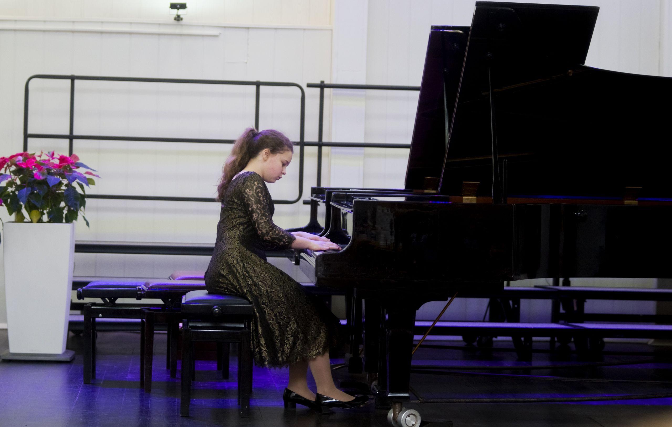 Пианистка из музыкальной школы имени Виссариона Шебалина сыграет в музее-заповеднике «Царицыно»
