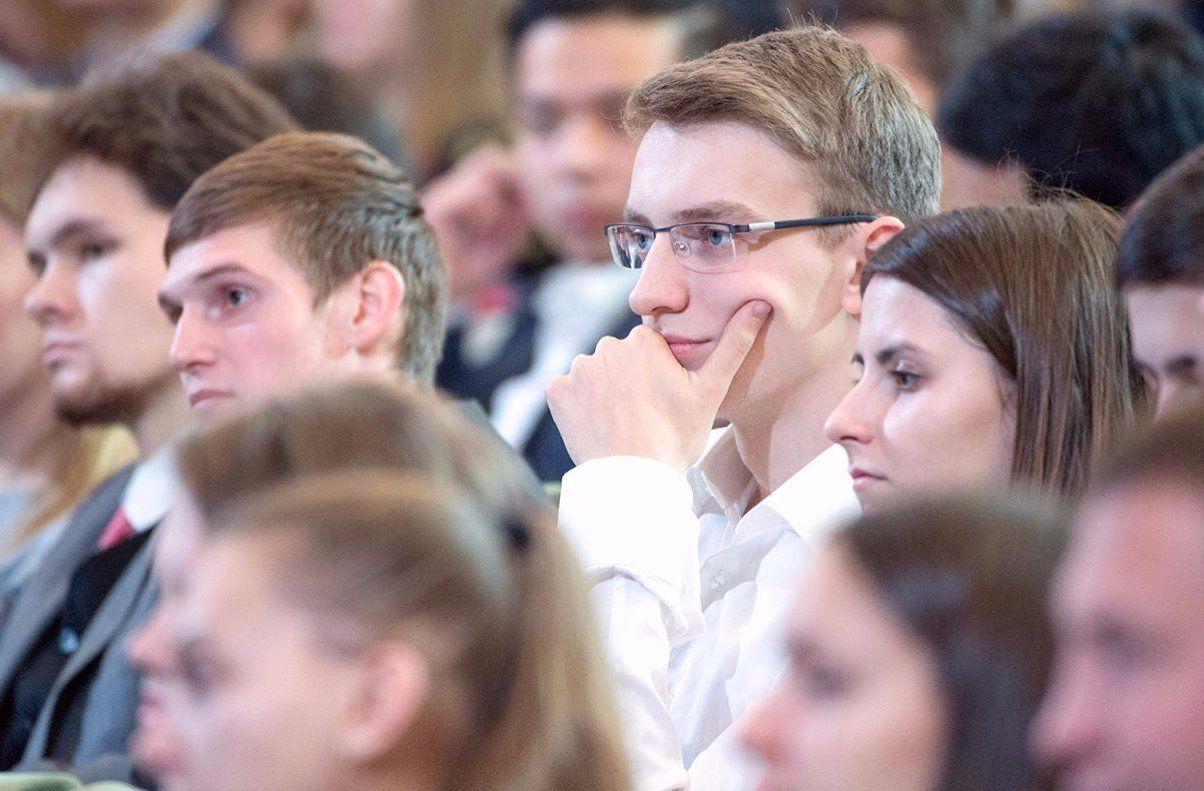 Молодым парламентариям рассказали об эффективном ведении бизнеса