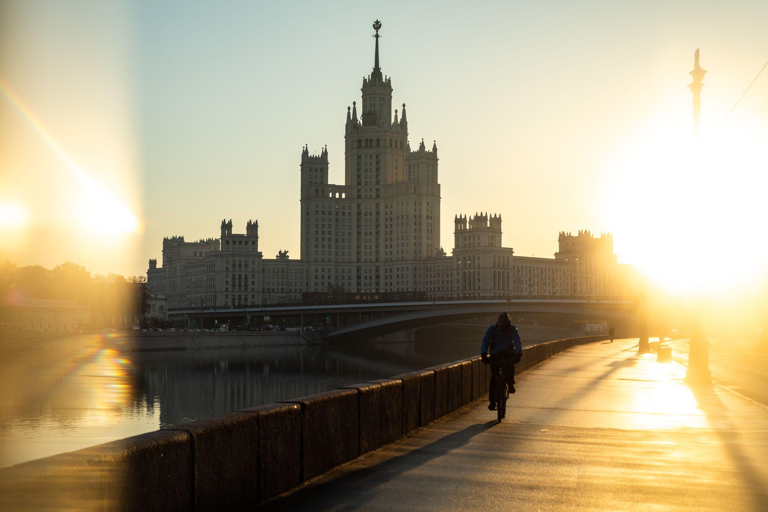 Уникальные фотографии расскажут о Москве 1990-х