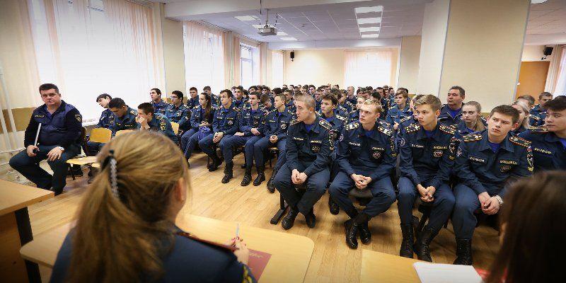 В Службе 112 Москвы провели экскурсию: профориентация для курсантов