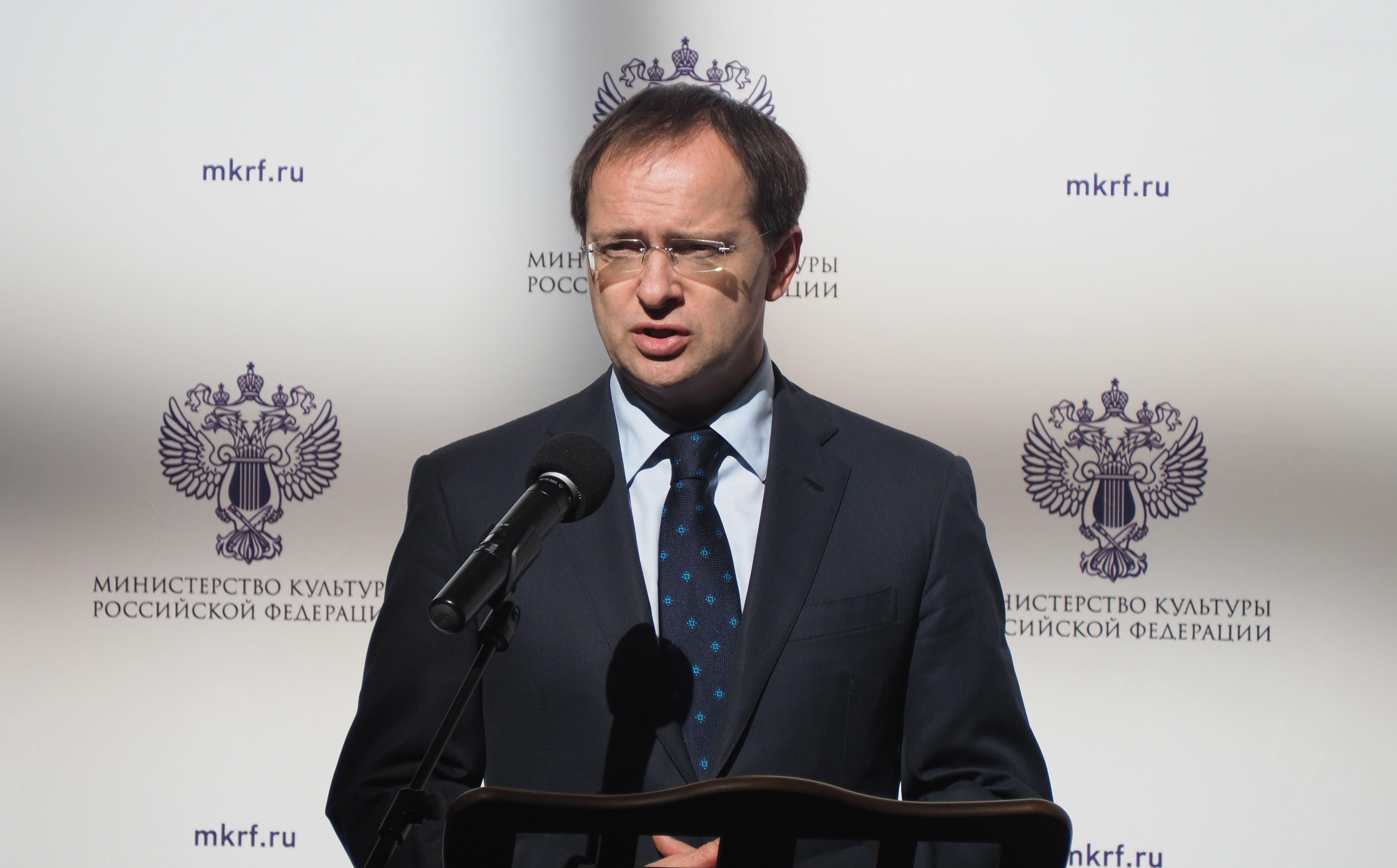 Владимир Мединский прибыл на церемонию прощания с Марком Захаровым