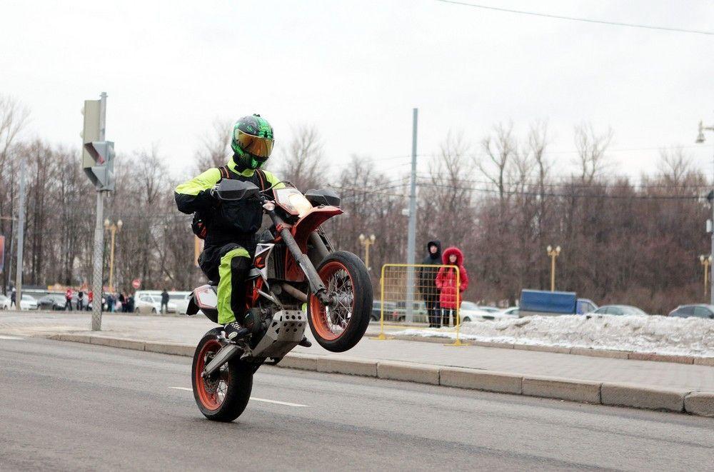 Московским байкерам посоветовали «завязать» до весны из-за погоды