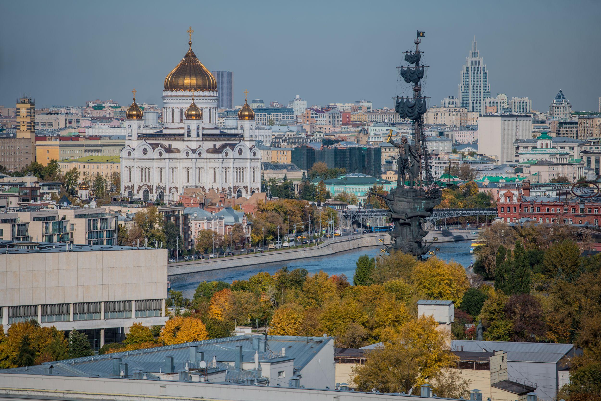 Парк «Музеон» представил фотовыставку работ участников проекта «Узнай Москву»