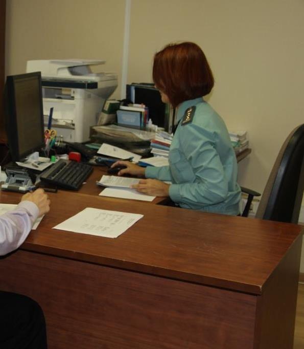 Действия судебных приставов позволили взыскательнице получить оплату за свой труд