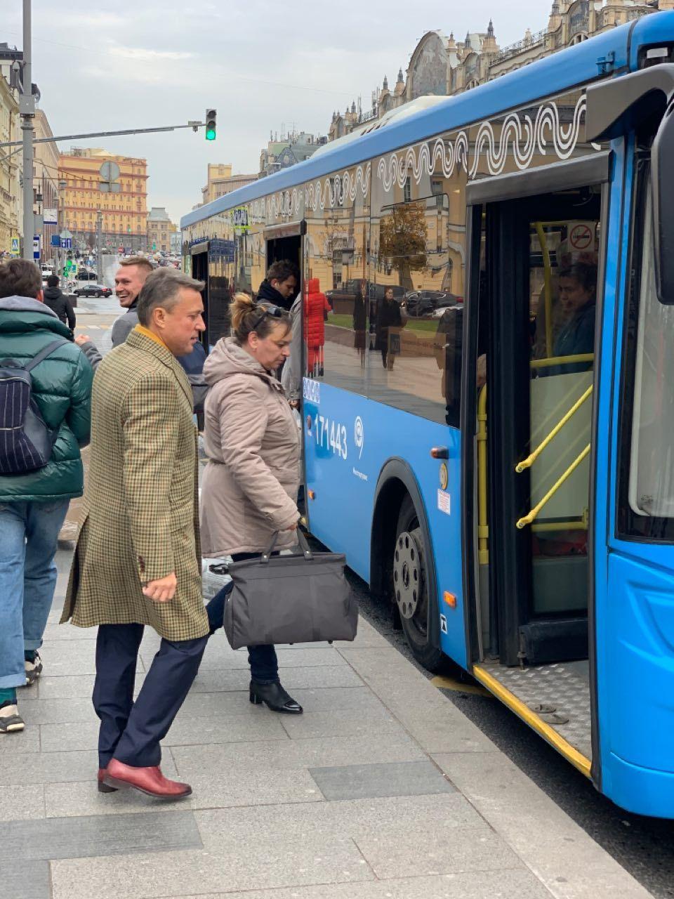 АНАТОЛИЙ ВЫБОРНЫЙ: «В наземном общественном транспорте Москвы установят камеры наблюдения, которые будут фиксировать работу водителей»