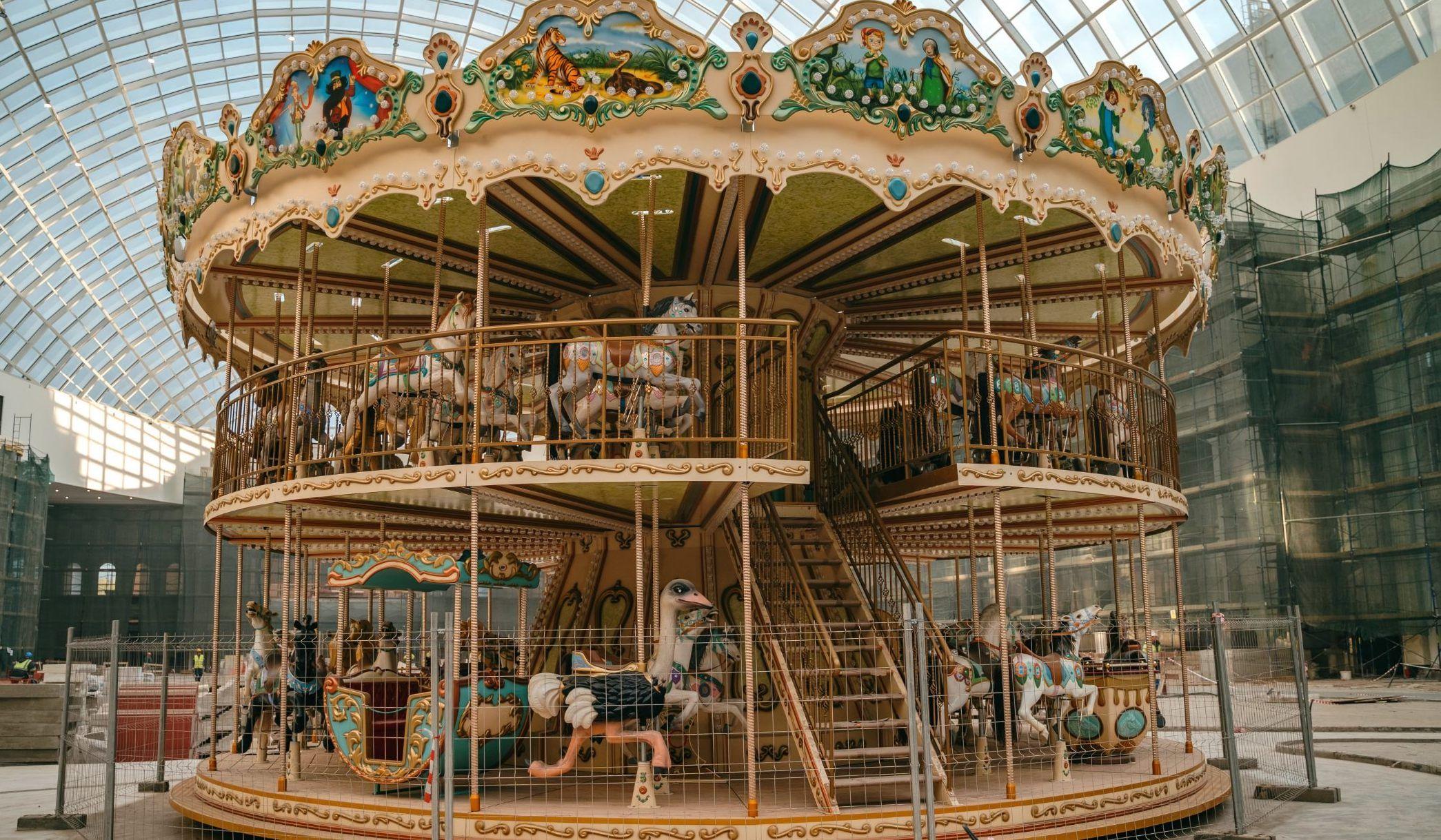 Венецианскую карусель установили в тематическом парке «Остров мечты»