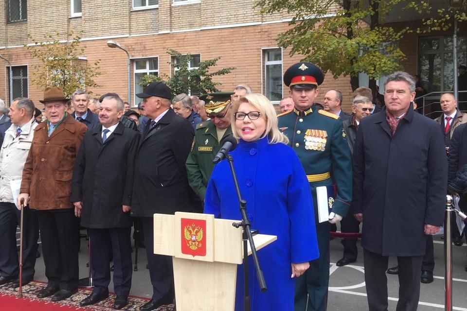 Депутат Государственной Думы Елена Панина поздравила с юбилеем Семеновский полк