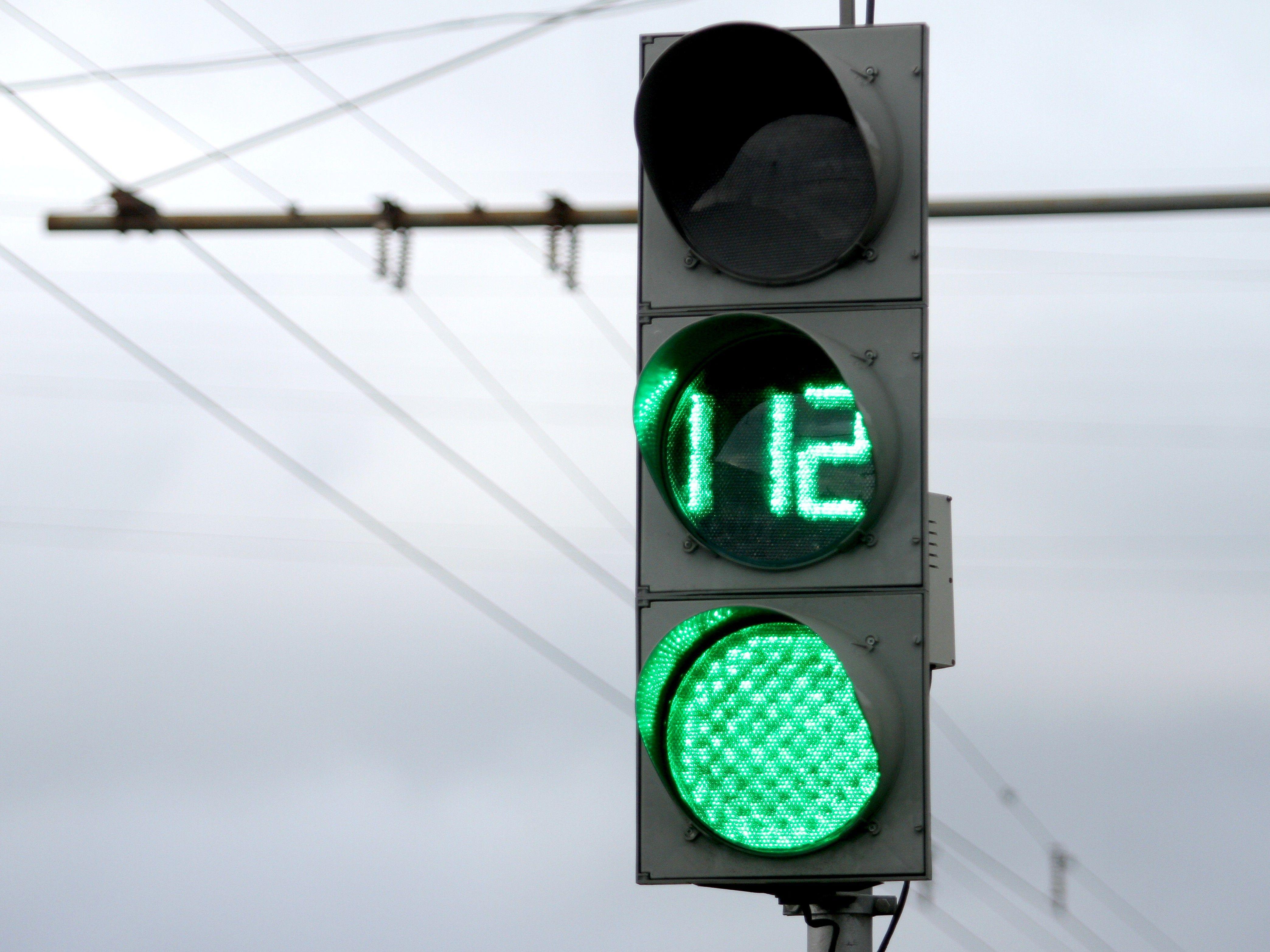 Число «умных» светофоров в Москве достигнет 460