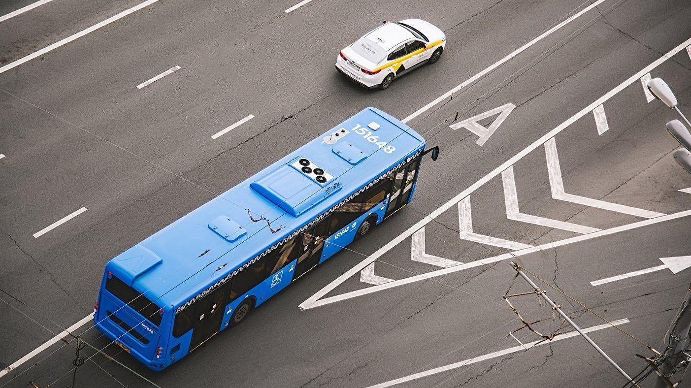 Выделенная полоса появится на улице Маршала Шестопалова