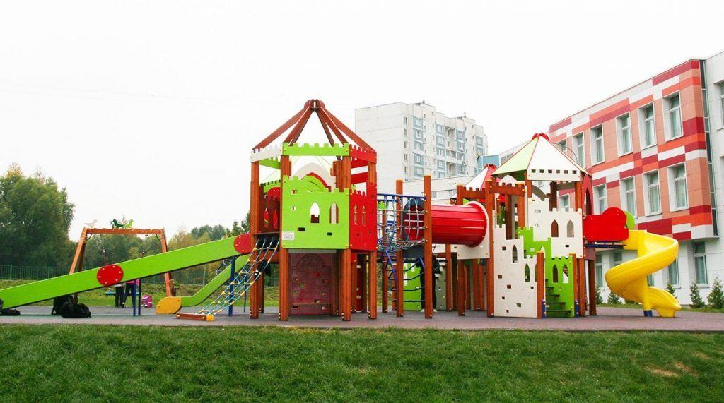Школьные дворы благоустроили в Чертанове Северном. Фото: сайт мэра Москвы
