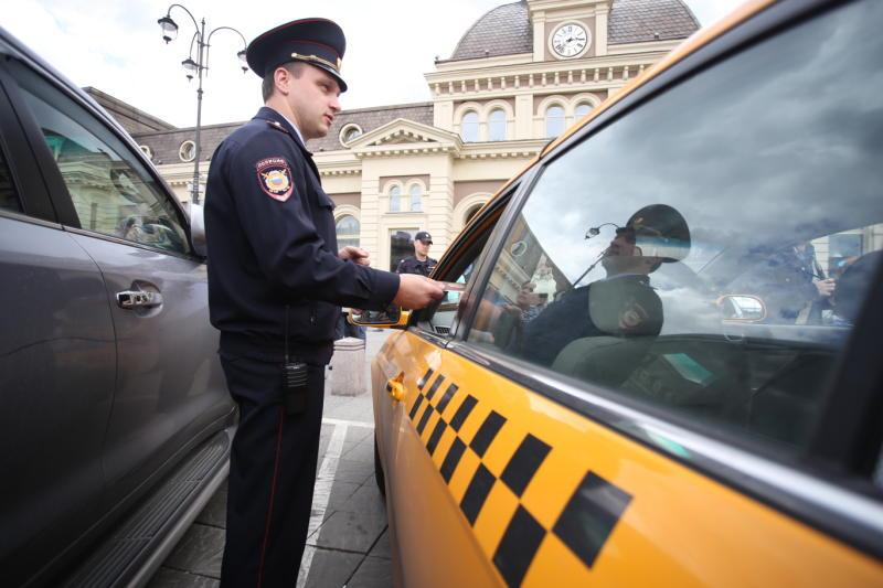 Полицейс. фото: архив, «Вечерняя Москва»кие УВД по ЮАО выявили факты нарушения миграционного законодательства