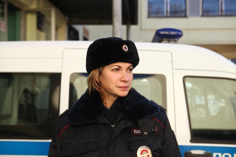 Полицейские УВД юга столицы задержали подозреваемую в совершении грабежа