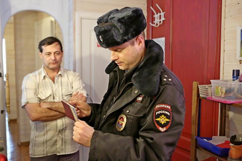 Полицейские УВД юга столицы задержали подозреваемого в грабеже