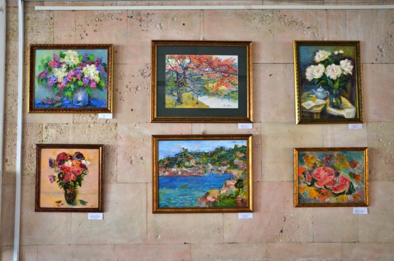 Солнечная Италия и яркие цветы на картинах начинающих живописцев
