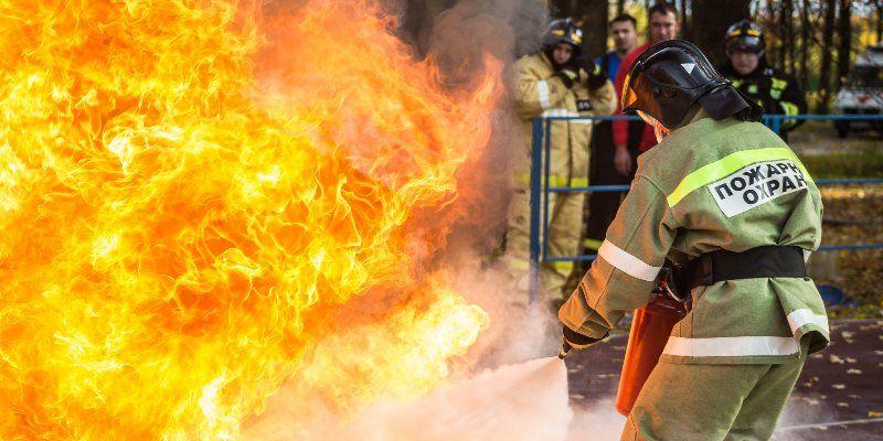 В Апаринках соревновались более двухсот добровольных пожарных