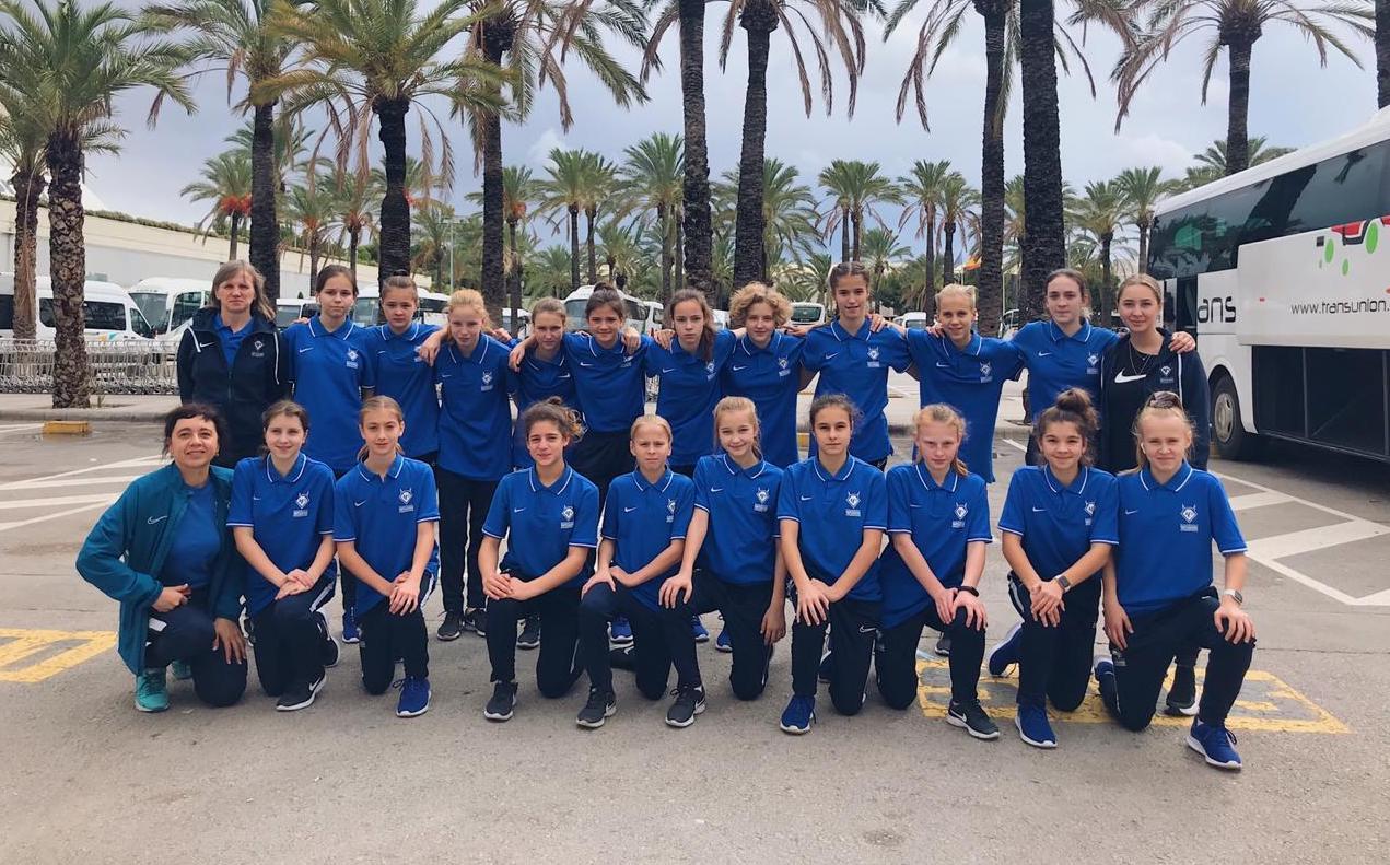 Воспитанницы футбольного клуба «Чертаново» взяли серебро в турнире на Мальорке