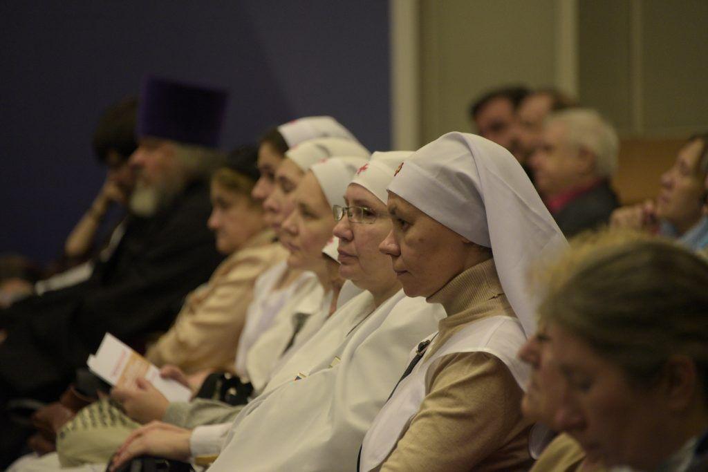 19 ноября 2019 года. Рождественские чтения в МИФИ, посвященные Великой Победе, посетили сестры милосердия. Фото: Пелагия Замятина