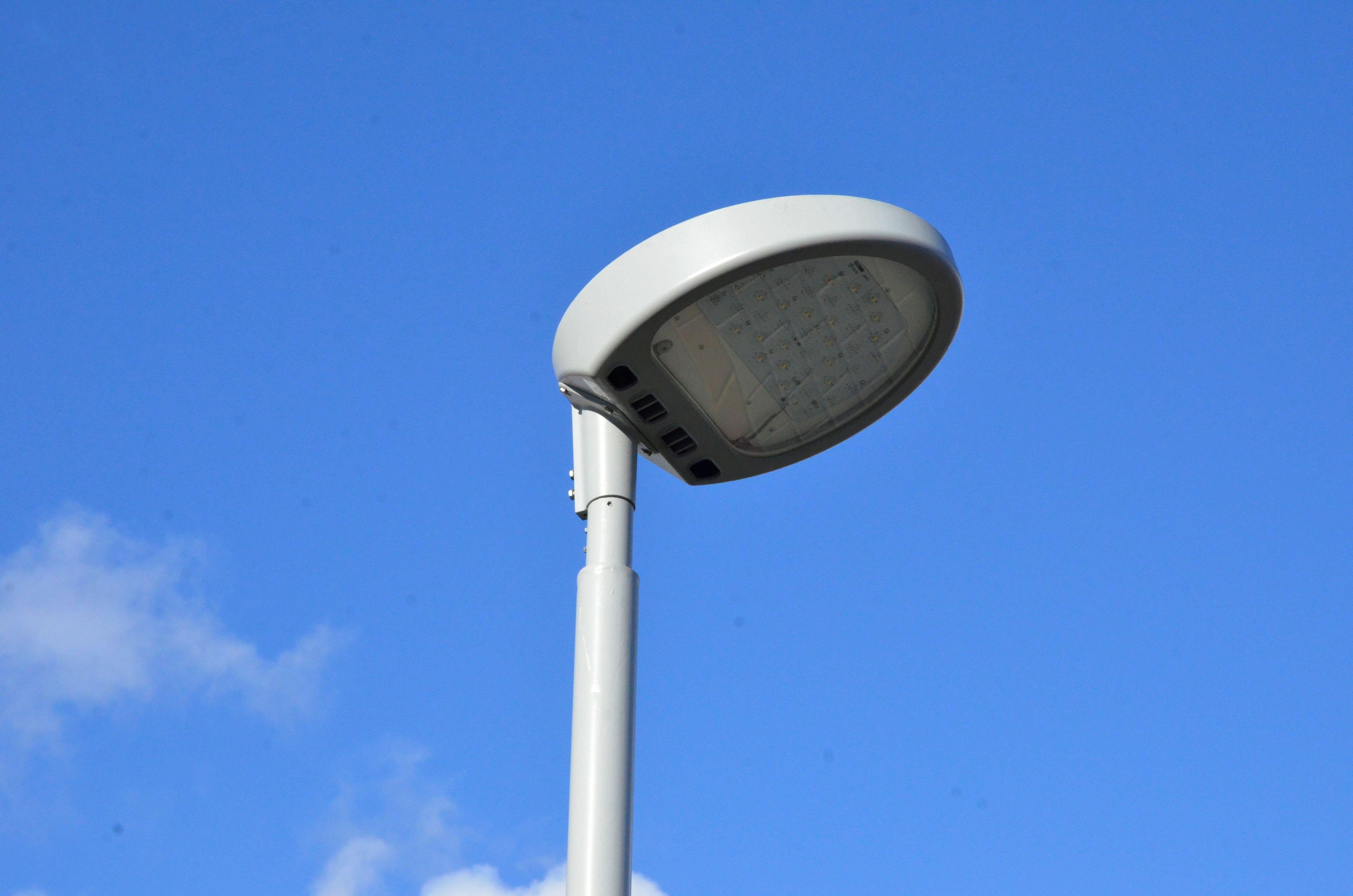 Более 140 опор освещения установили на улицах Зябликова в 2019 году