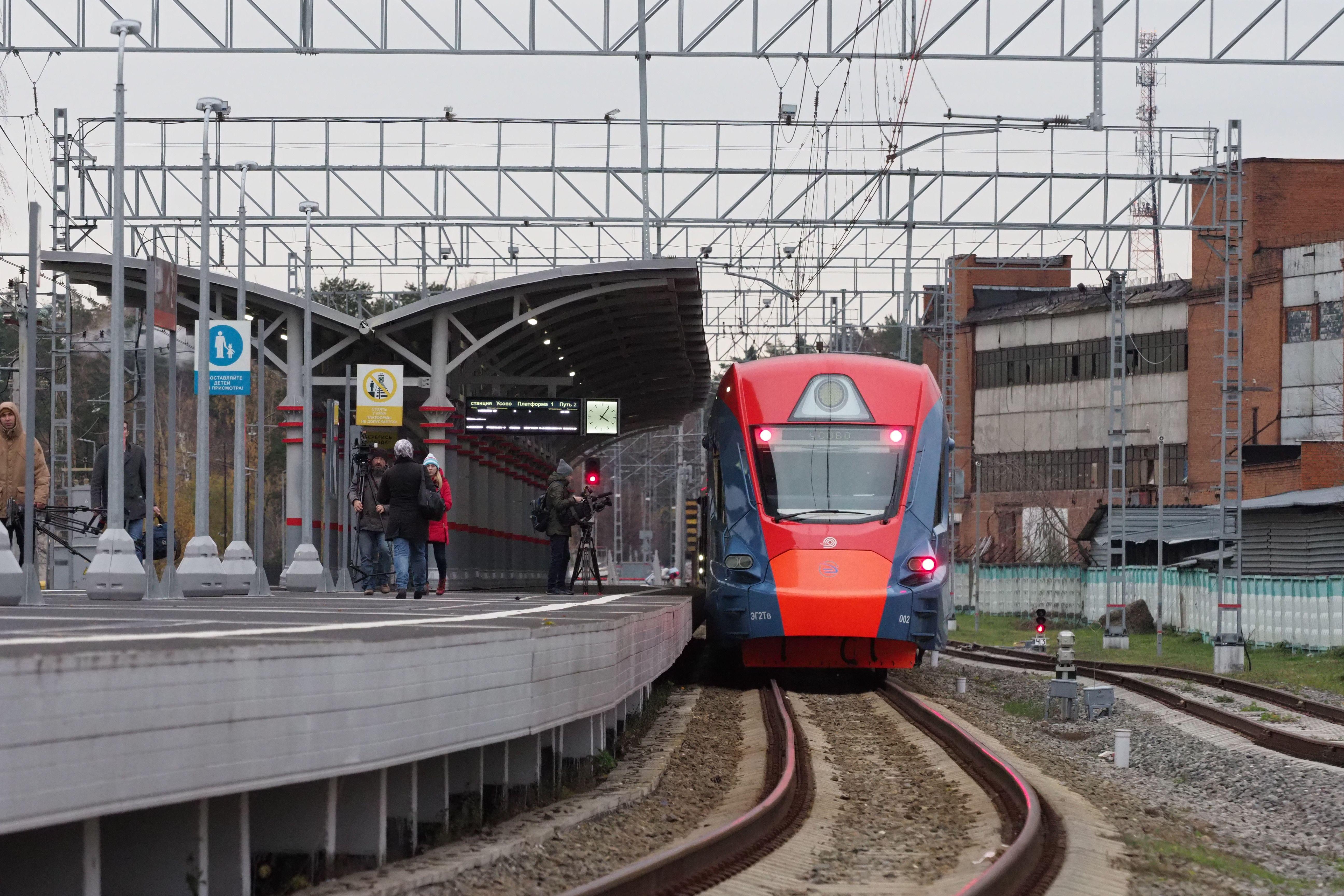 Специалисты приступили к завершению благоустройства станции «Кунцево» МЦД-1