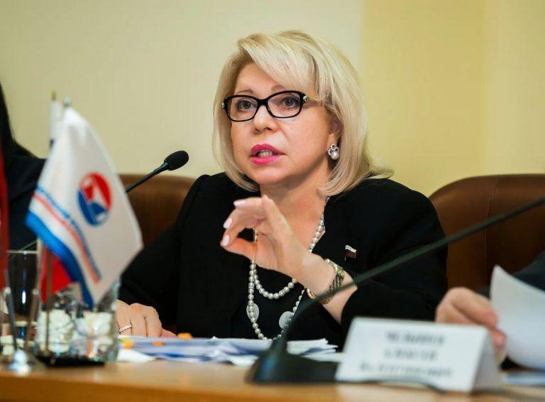 Депутат Государственной Думы Российской Федерации Елена Панина поздравила жительниц столицы с Днем матери