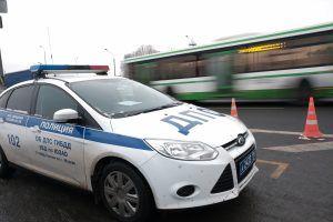 Полицейские УВД по ЮАО задержали подозреваемого в мошенничестве. Фото: архив, «Вечерняя Москва»