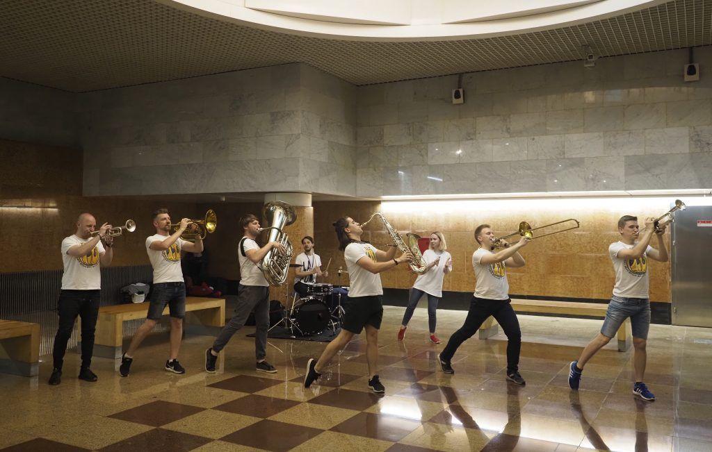 Более десяти тысяч выступлений провели в столичном метро за 2019 год. Фото: Антон Гердо, «Вечерняя Москва»