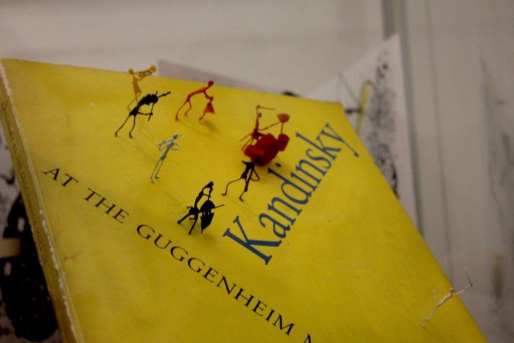 Экспонат, представленный на выставке «Желтый звук». Фото: Мария Канина
