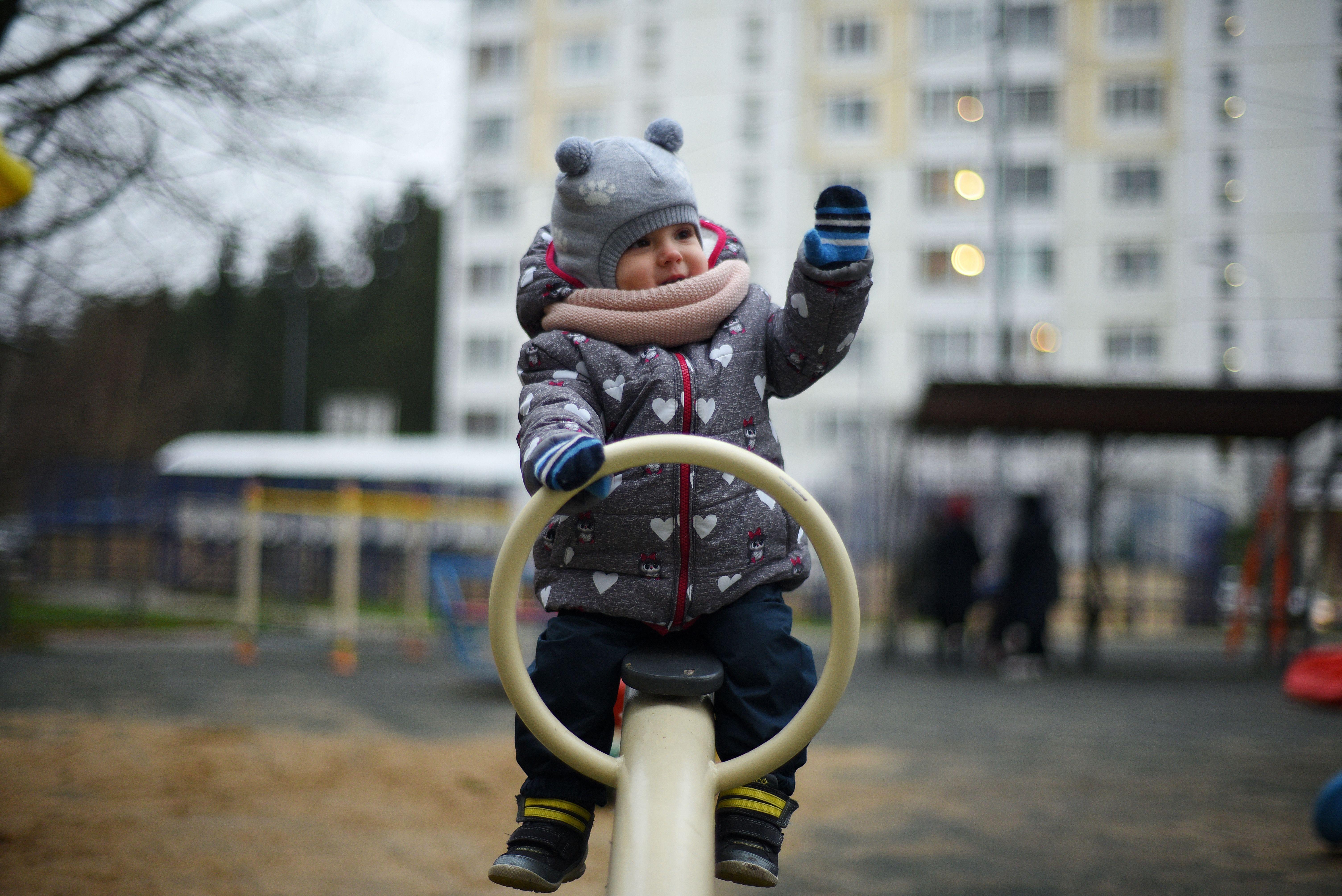 Более десяти дворов благоустроили в Даниловском районе на средства от платных парковок