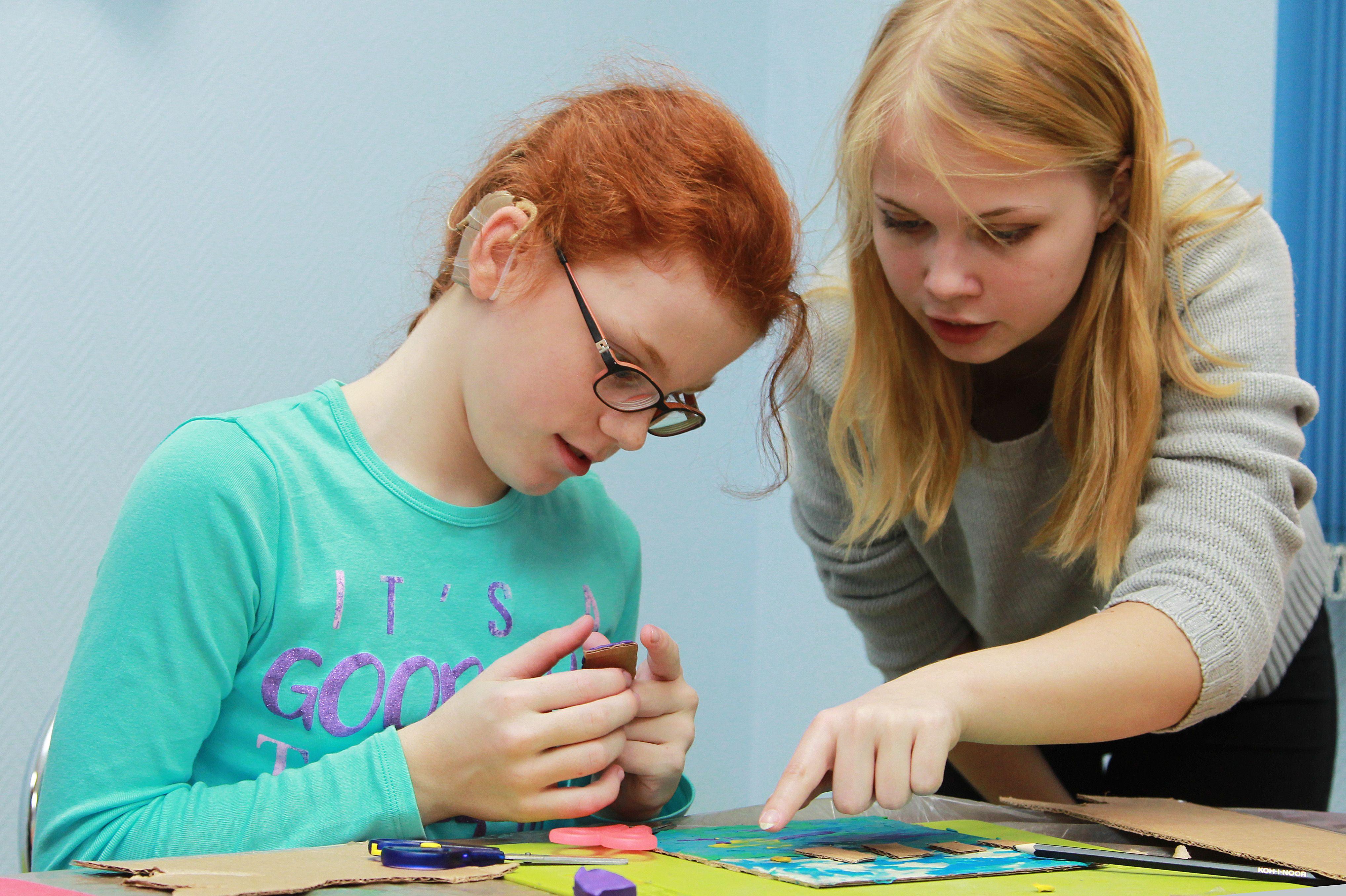 Подарок маме: юные горожане смастерят открыткук празднику в «Москворечье»