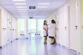 Сотрудники МФЦ проинформируют москвичей о капремонте поликлиник. Фото: сайт мэра Москвы
