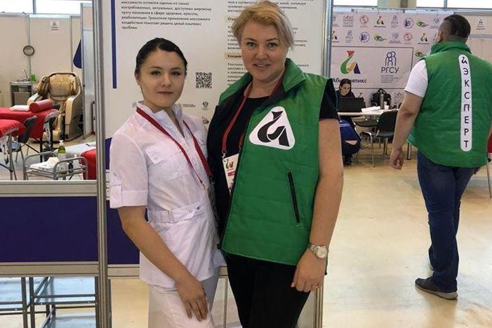 Выпускница Технологического колледжа №34 заняла первое место на чемпионате «Абилимпикс». Фото: официальная страница Технологического колледжа во «ВКонтакте»