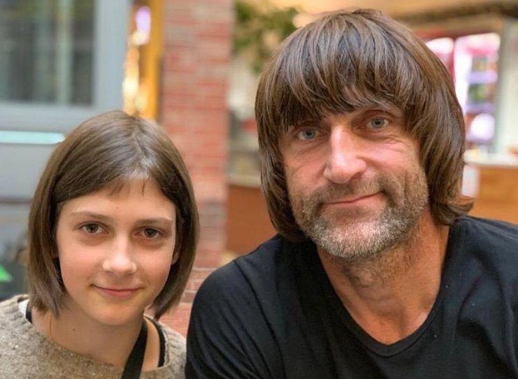 Эдуард старается чаще проводить время со своей дочкой Ярославой. Фото из личного архива