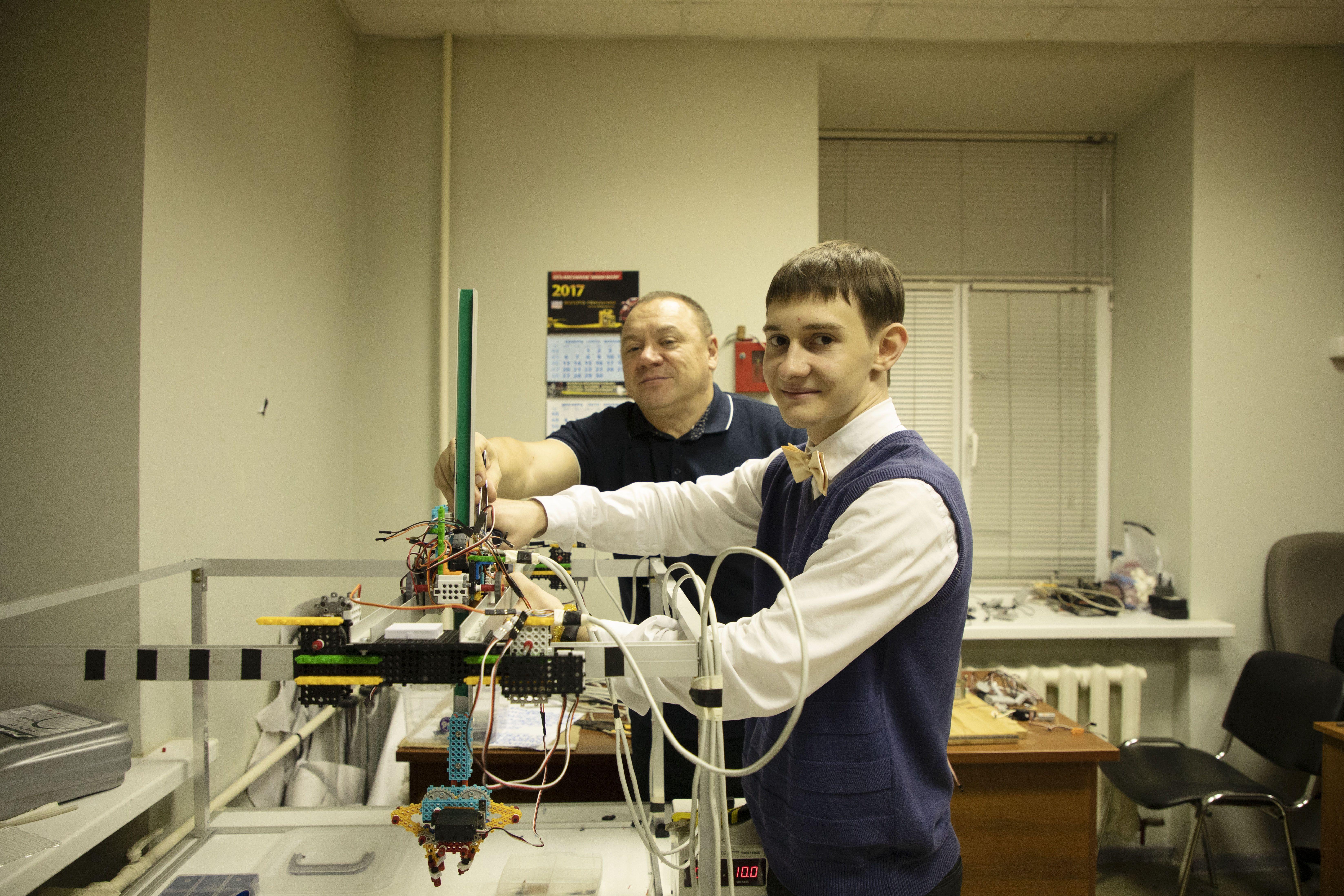 Школьники осваивают искусственный интеллект и робототехнику