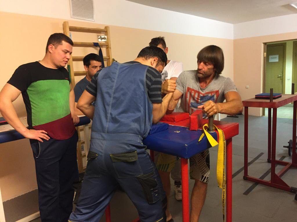 Каждая тренировка начинается с разминки. Фото из личного архива