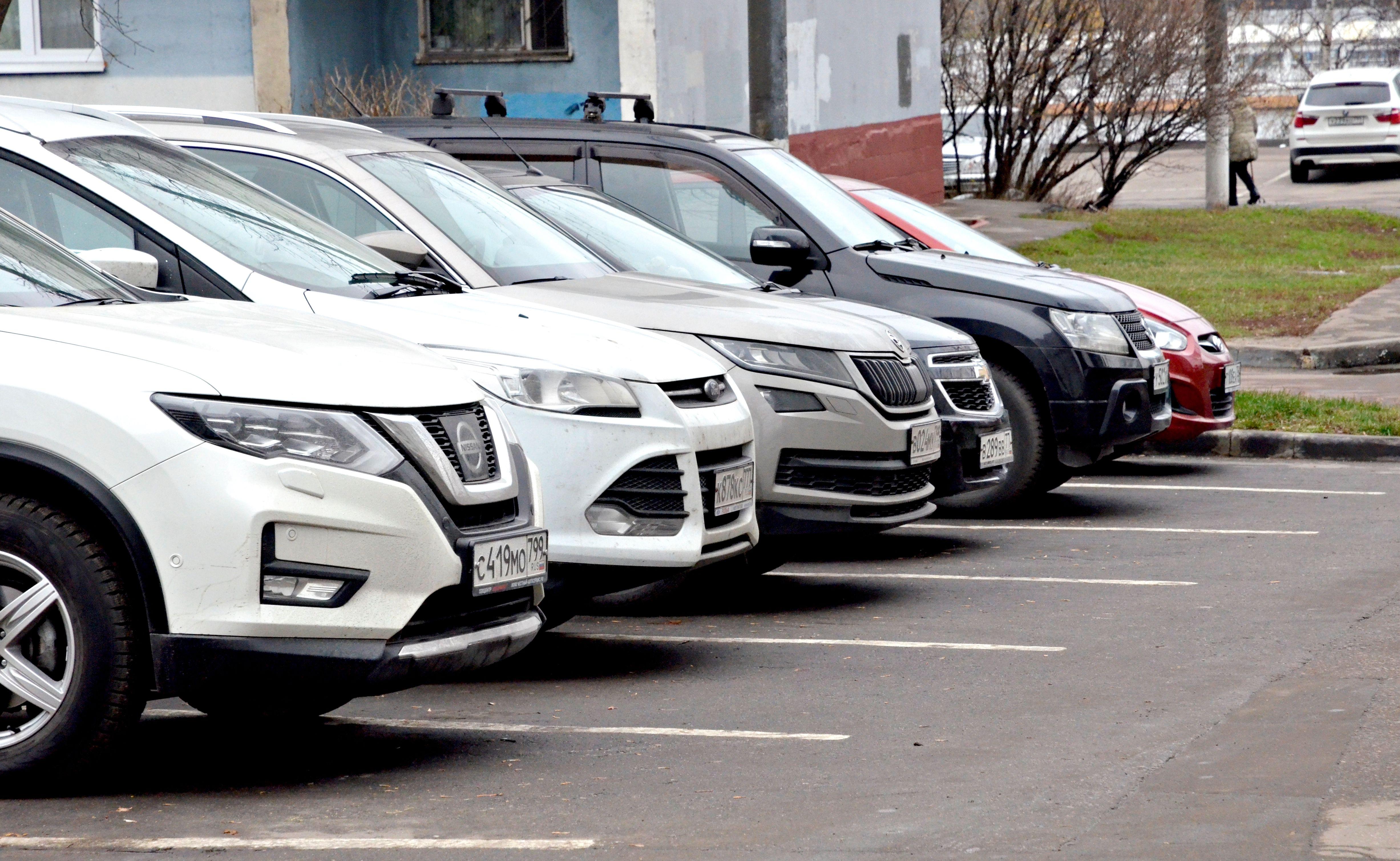 Водители смогут приобрести парковочные абонементы на Кировоградской улице