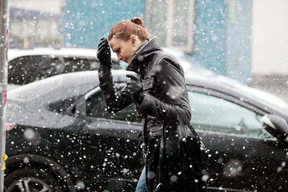 Москвичам пообещали новое потепление со снегом на выходных