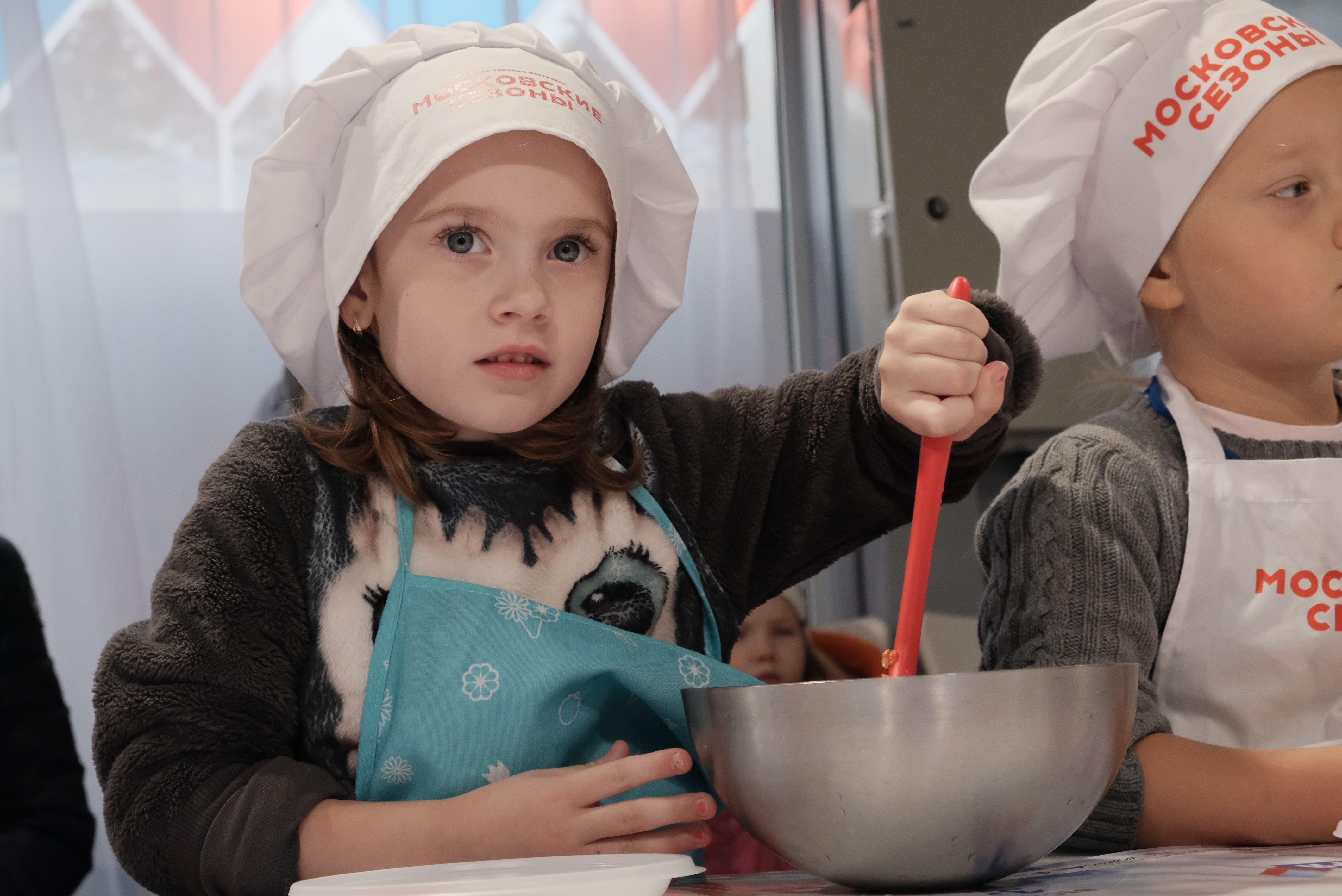 Москвичи испекут датский пирог на фестивале «Путешествие в Рождество»