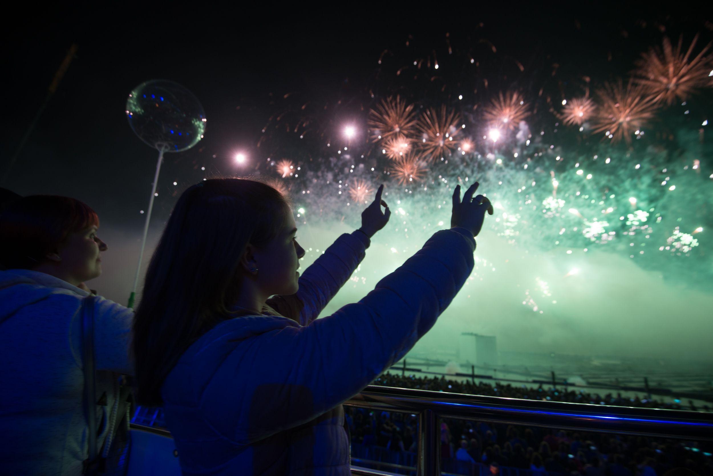 Разноцветные фейерверки украсят небо над «Садовниками» в новогоднюю ночь
