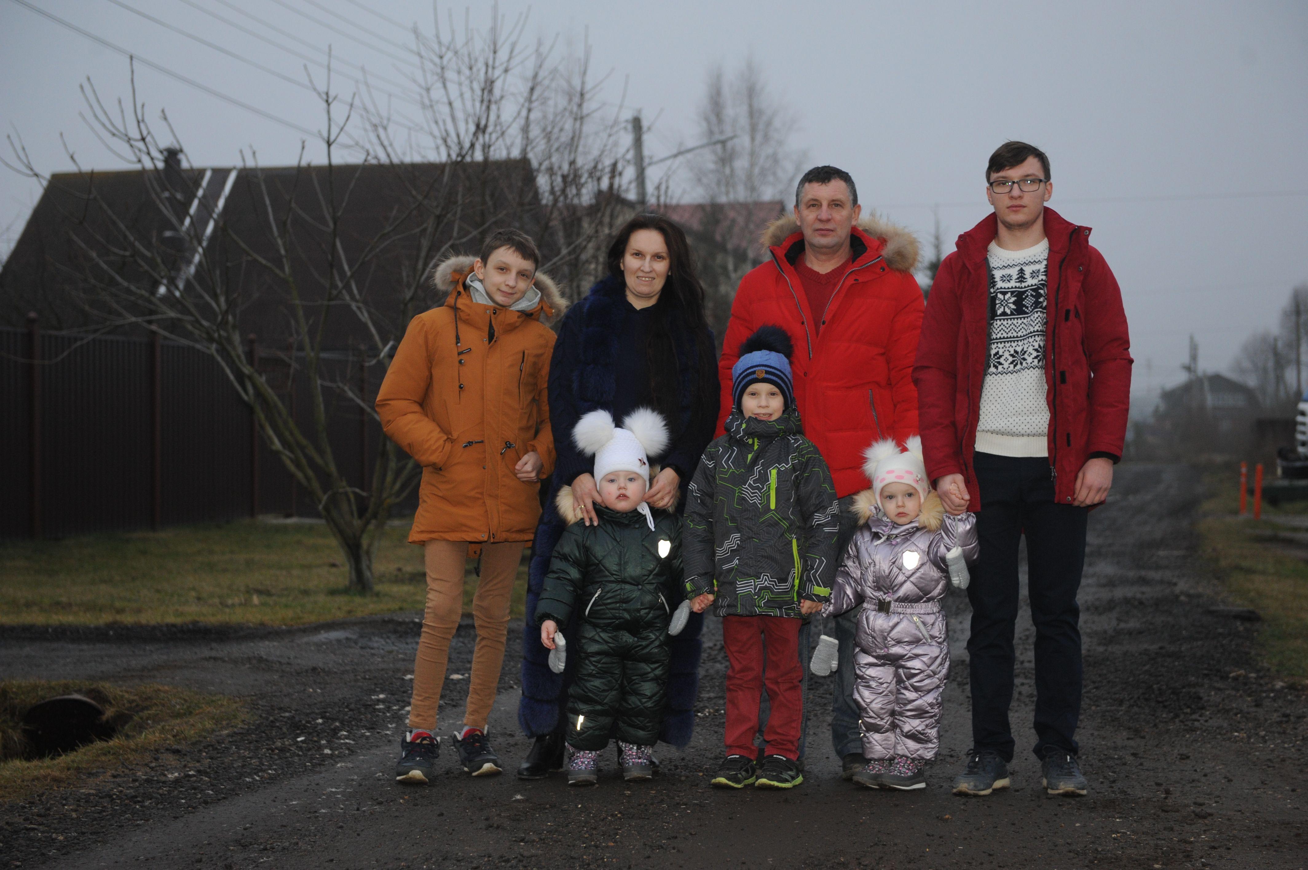 Счастливая семья Патока воспитывает восьмерых детей