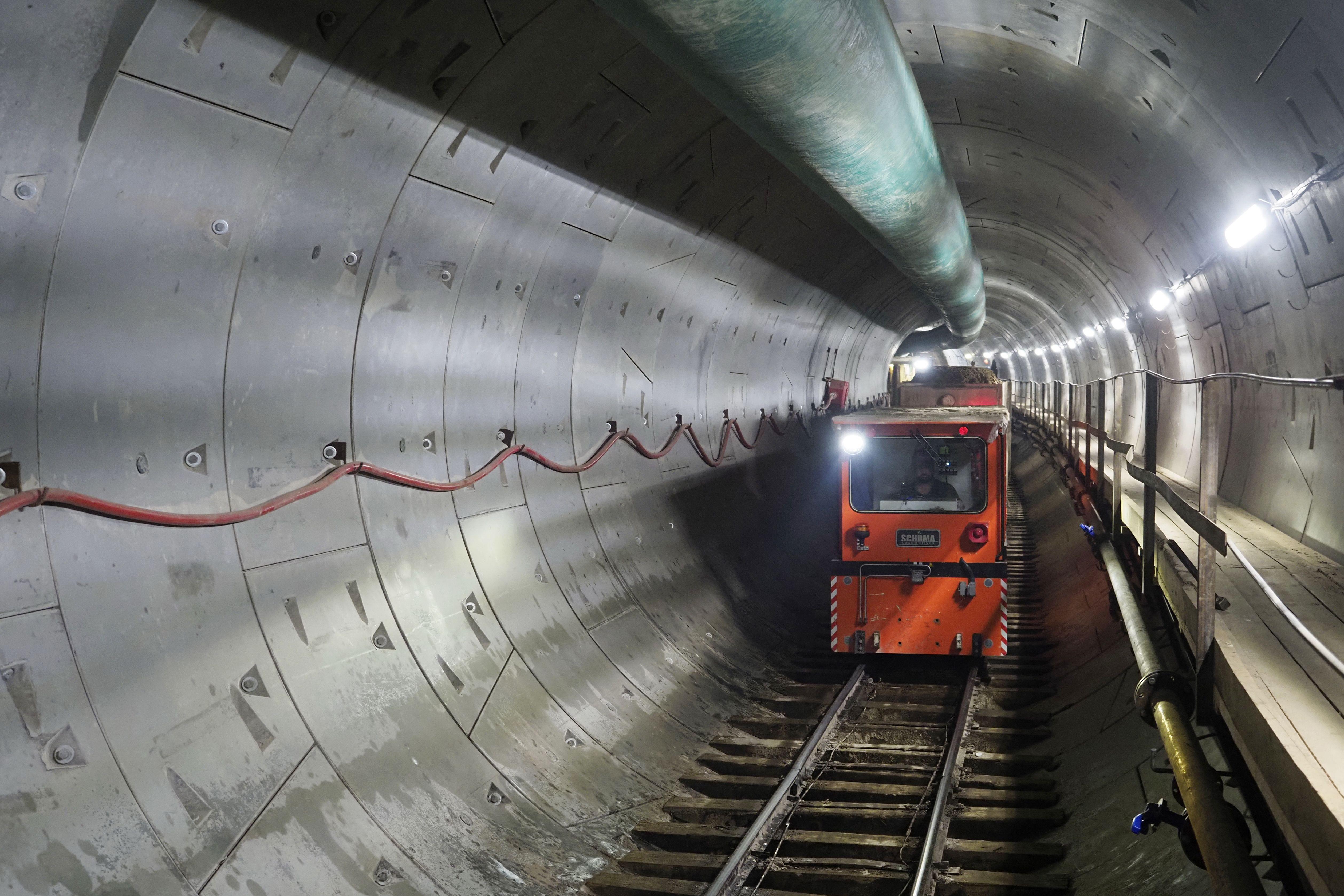 Специалисты начали освобождать участки для строительства Бирюлевской линии метро