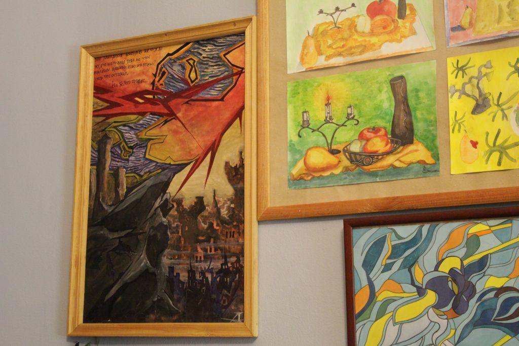 Картины, написанные пациентами Кащенко. Фото: Мария Канина