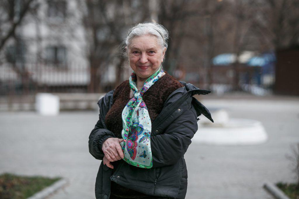 Янина Когут ведет занятия в студии «Монокль» библиотеки № 144. Фото: Михаил Подобед