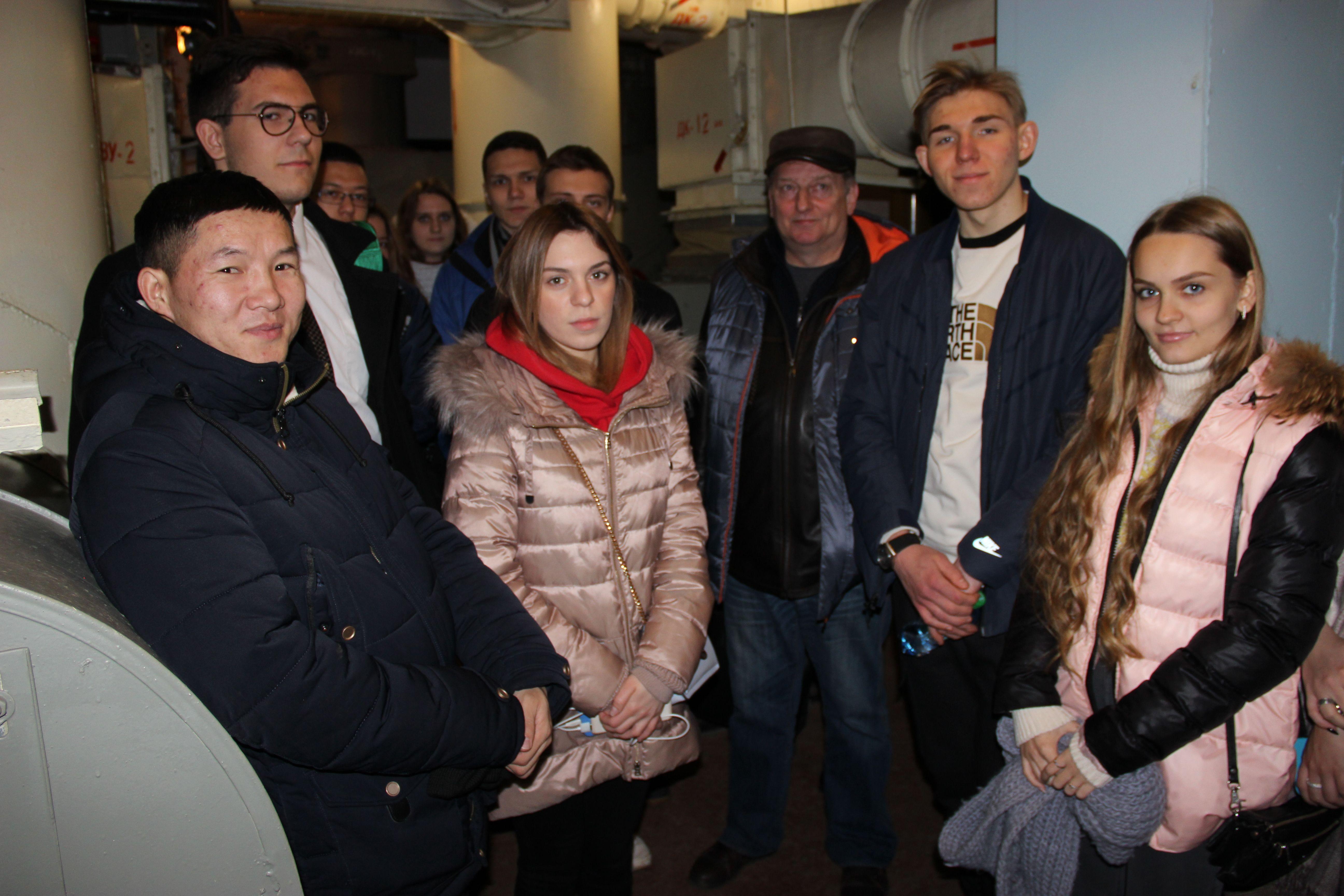 Студенты Академии ГПС МЧС России проходят практику в защитных сооружениях гражданской обороны столицы