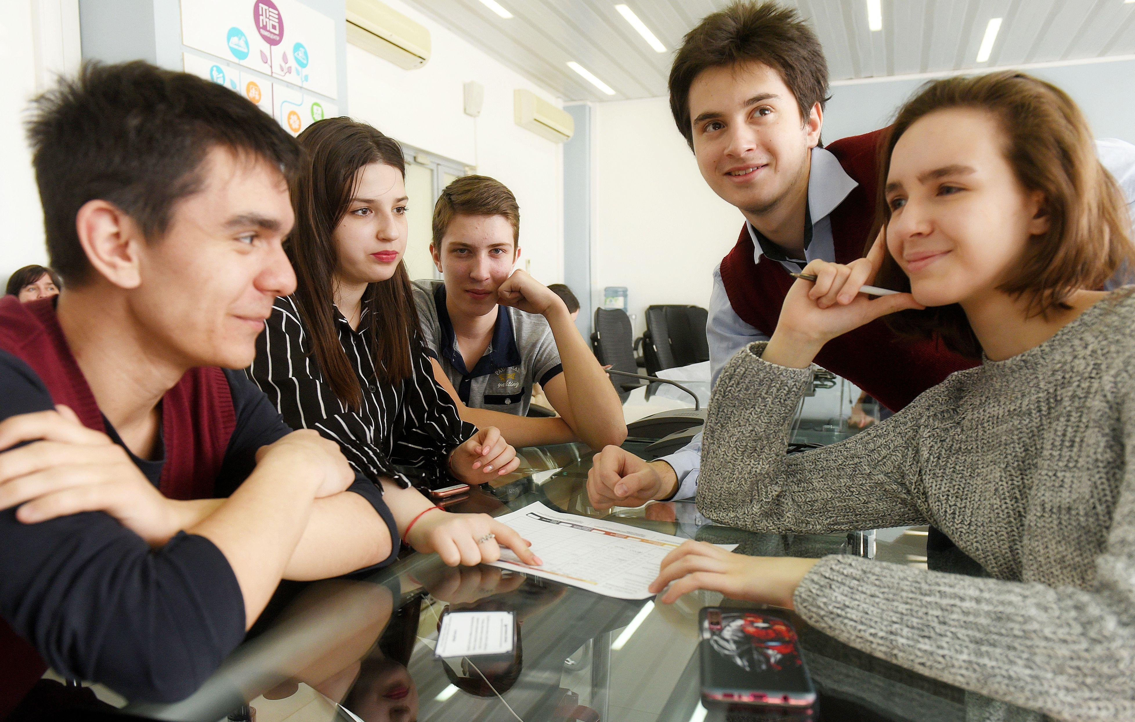 Начался прием заявлений на предпрофессиональный экзамен для школьников